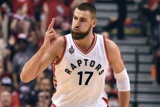 """""""Raptors"""" ir """"Heat"""" serijos baigtį nulems aikštelės zona, už kurią atsakingas J.Valančiūnas"""